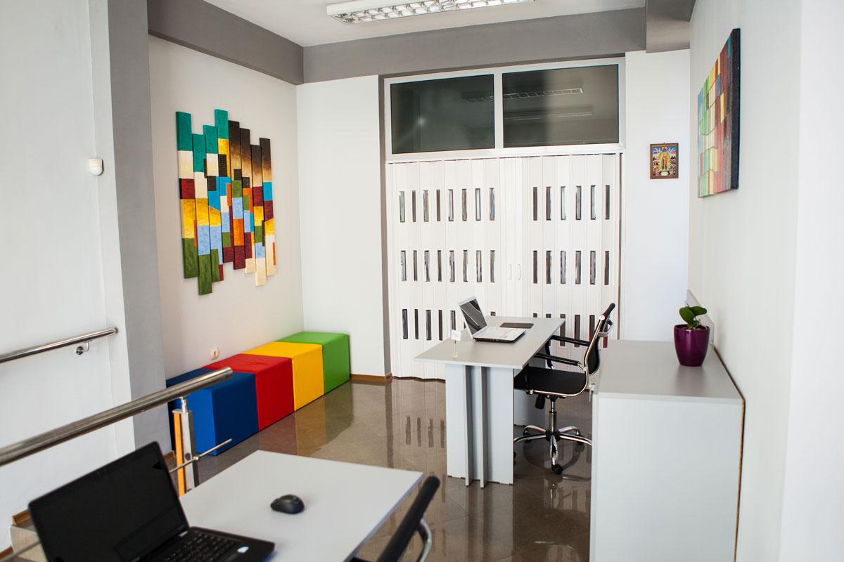 Img-academy-google-hall-training-room-3