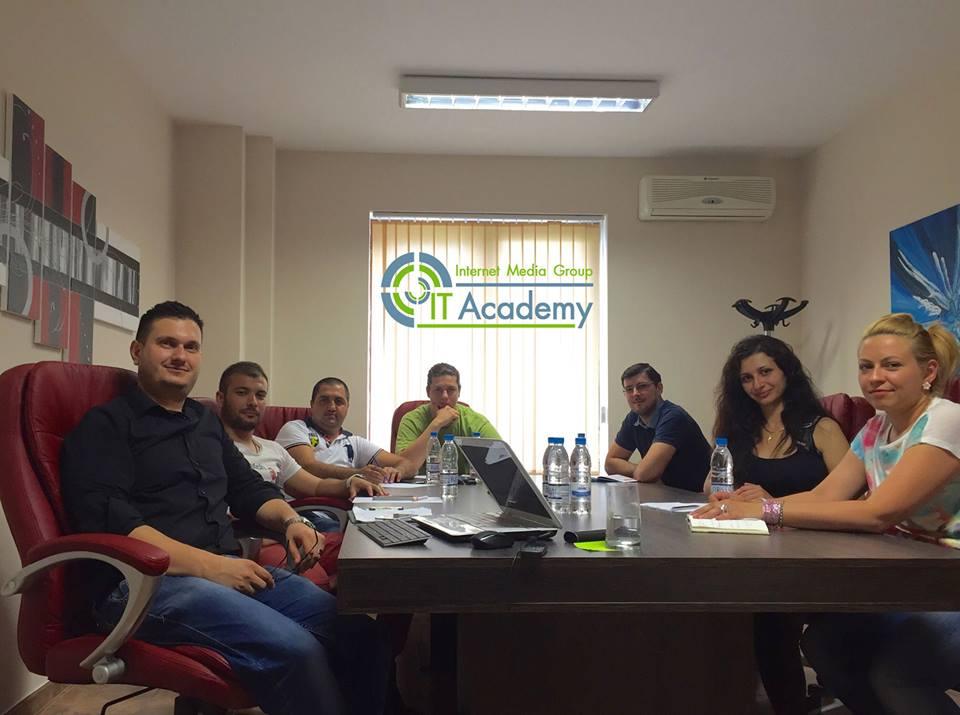 img academy zala za it kursove - conference room