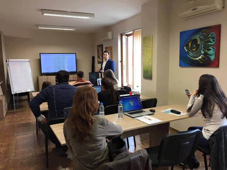 img it academy - zala za kursove - training room